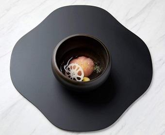 (資生堂)蓮の葛饅頭.jpg